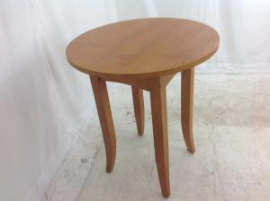 Very_small_kitchen_table