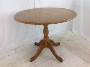 Round_kitchen_table
