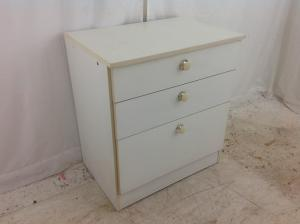 Used_set_of_3_drawers