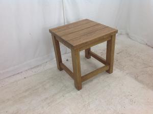 Solid_oak_side_table